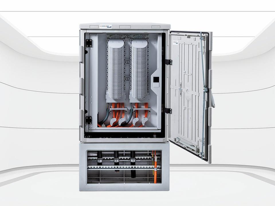Organisierte Kabelverzweigung mit intelligentem Führungssystem von ZweiCom-Hauff