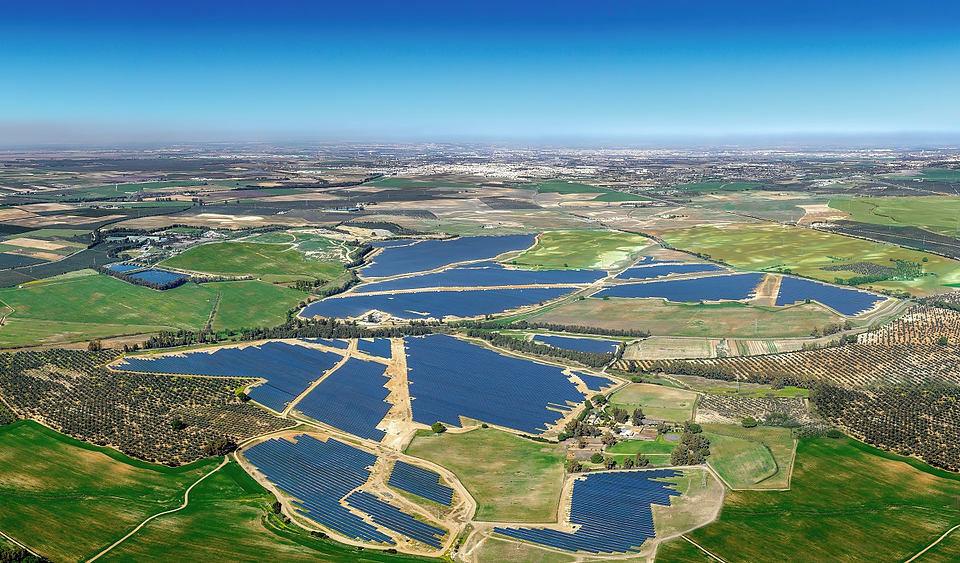 Solarni park z močjo 175 MW  »Don Rodrigo«, južna Španija