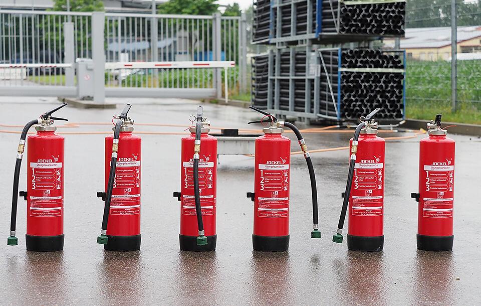 Tűzvédelmi segítő képzés a Hauff-Techniknél